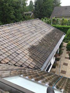 dak reiniging met hoogwerker